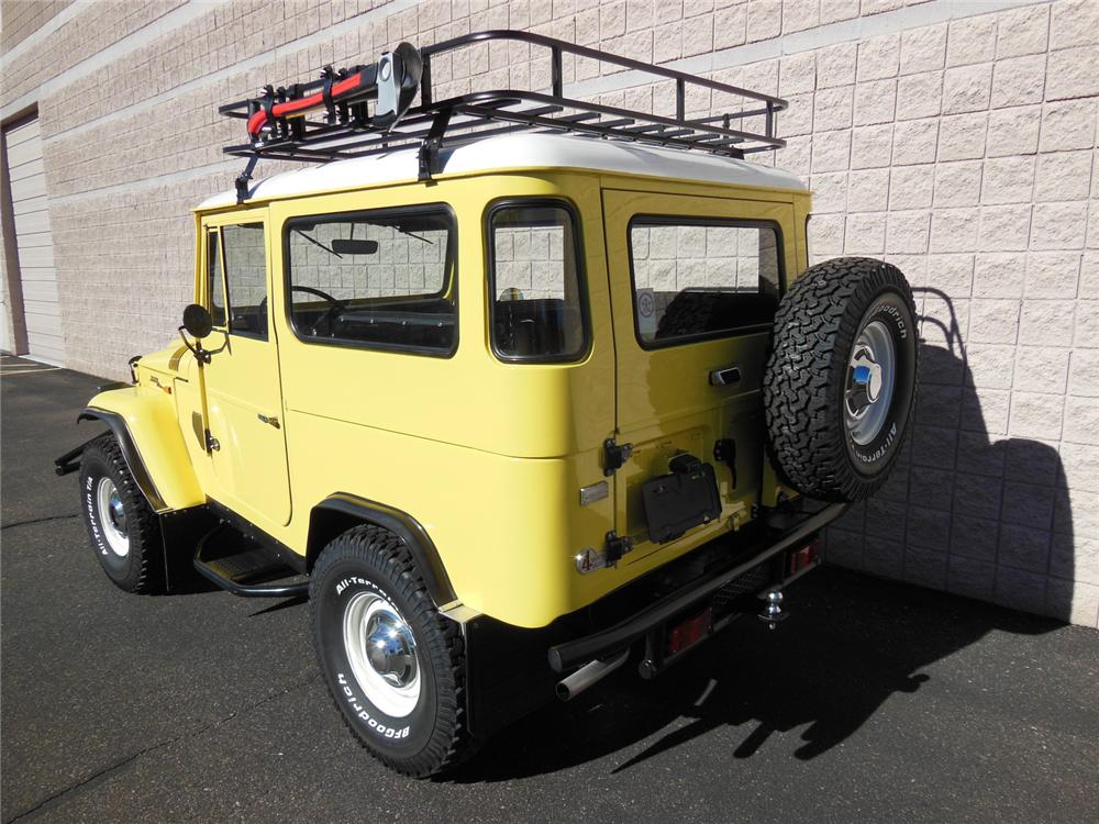 1969 TOYOTA LAND CRUISER FJ-40  - Rear 3/4 - 161985
