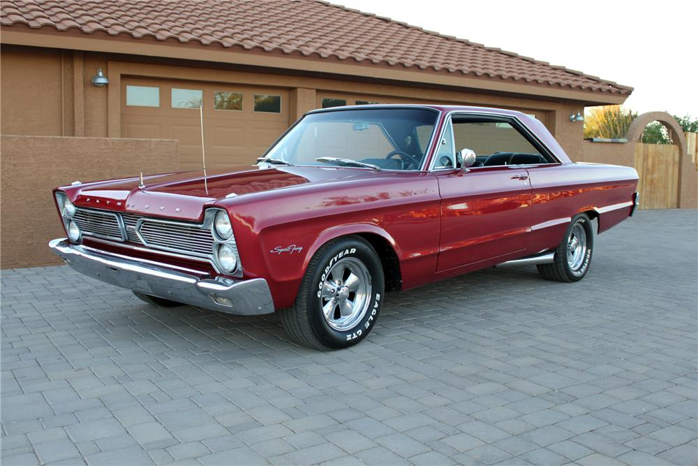 1966 PLYMOUTH SPORT FURY CUSTOM 2 DOOR HARDTOP - Front 3/4 - 162002