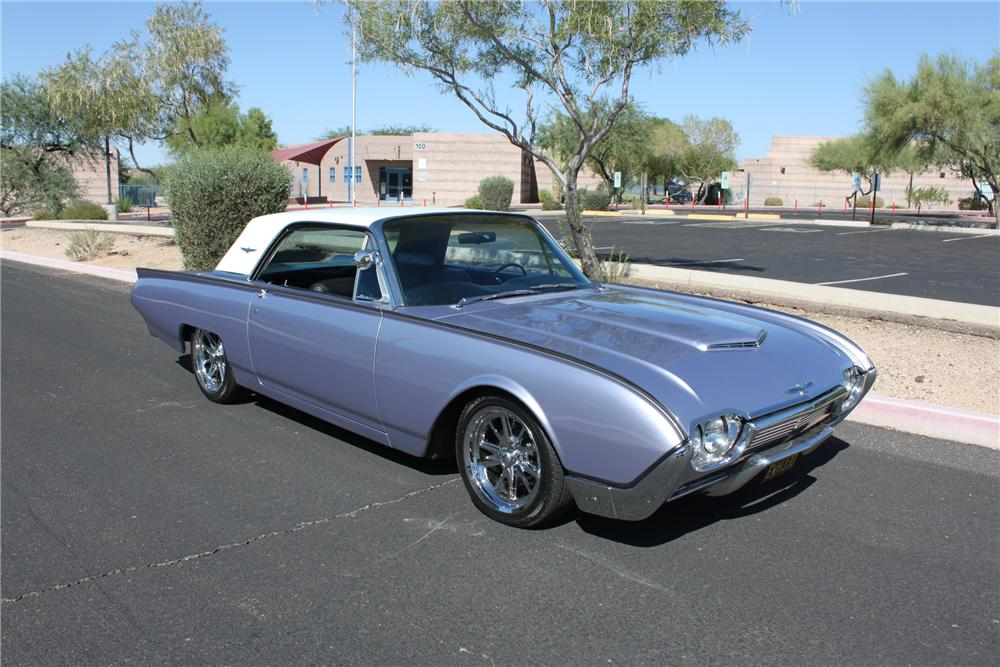 1961 FORD THUNDERBIRD CUSTOM 2 DOOR COUPE - Front 3/4 - 162003