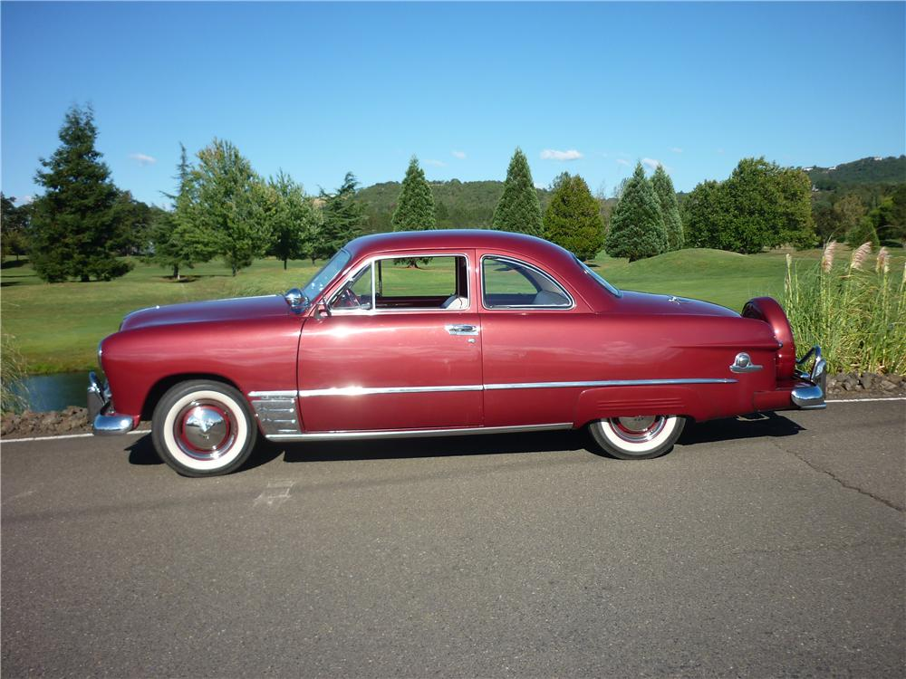 1949 FORD CLUB 2 DOOR COUPE - Side Profile - 162011