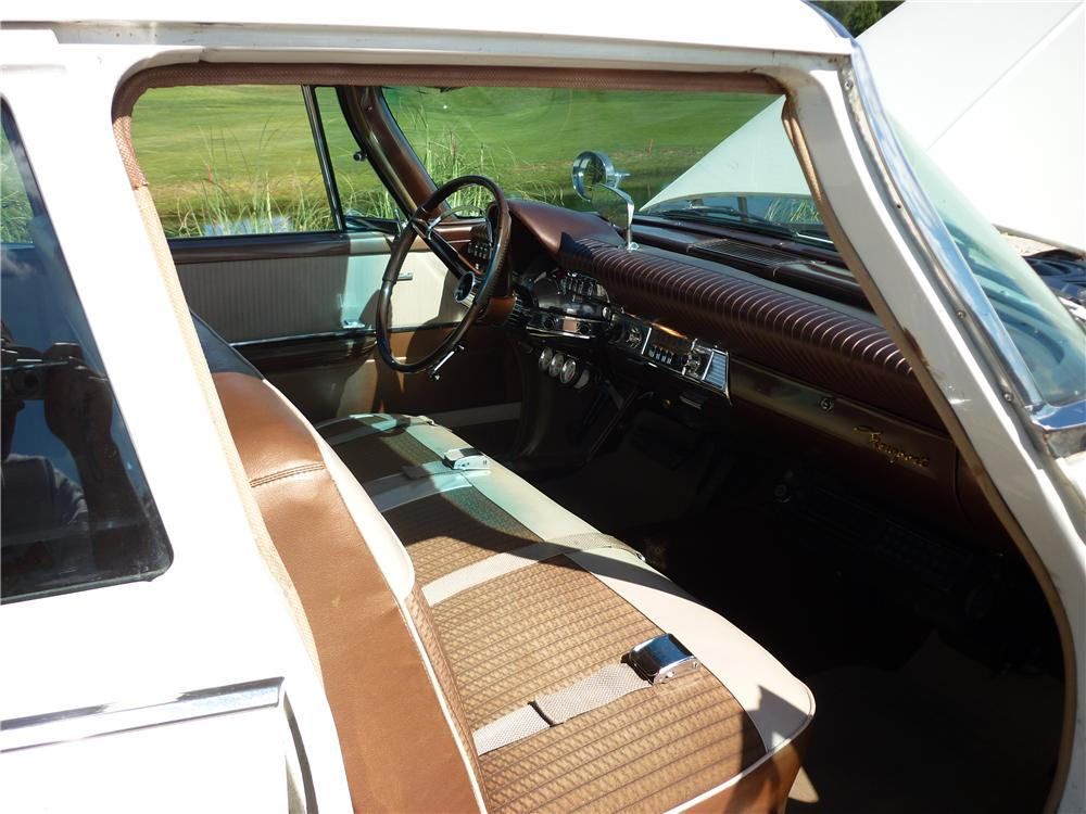 1961 CHRYSLER NEWPORT 4 DOOR SEDAN - Interior - 162012
