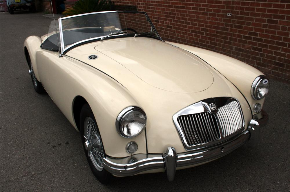 1957 MG A CONVERTIBLE - Front 3/4 - 162015