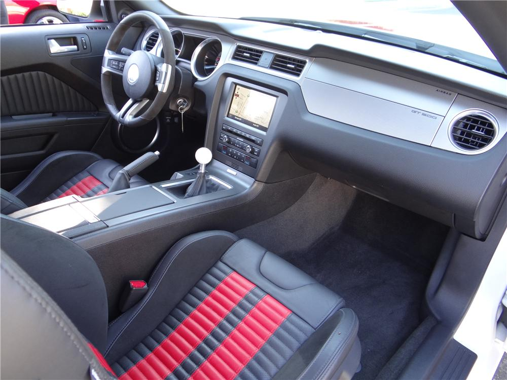 2013 FORD MUSTANG GT500 COUPE - Interior - 162028