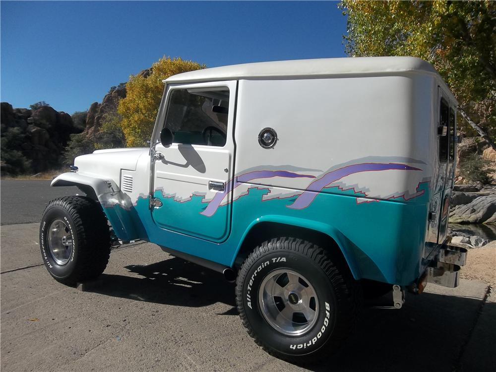 1976 TOYOTA LAND CRUISER FJ-40 CUSTOM 2 DOOR HARDTOP - Rear 3/4 - 162044
