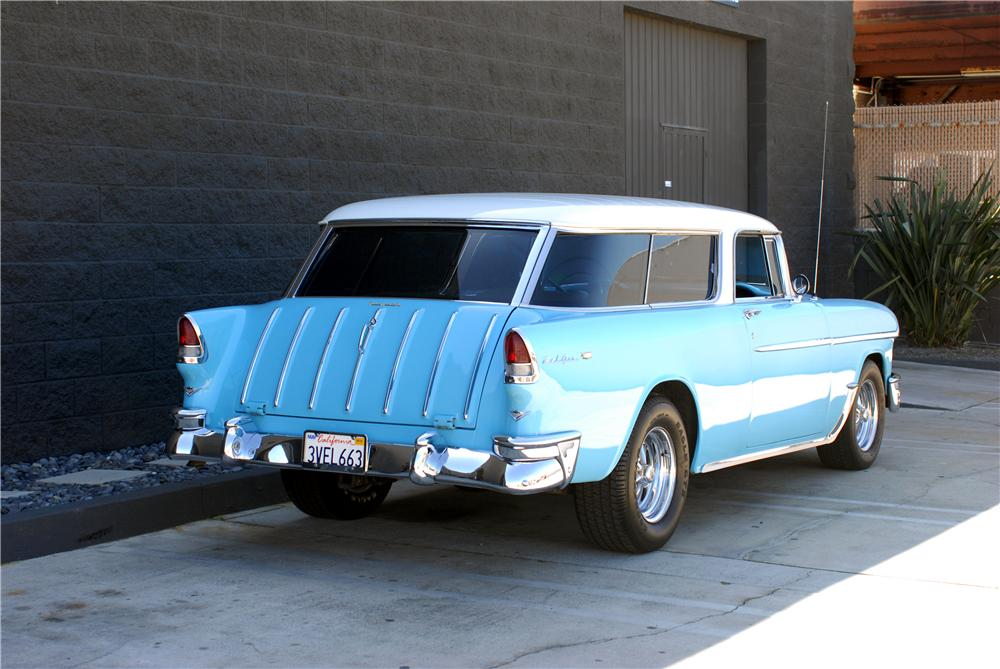 1955 CHEVROLET NOMAD CUSTOM STATION WAGON - Rear 3/4 - 162051