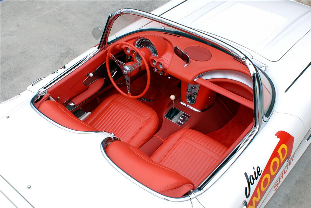 1958 CHEVROLET CORVETTE CONVERTIBLE - Interior - 162053