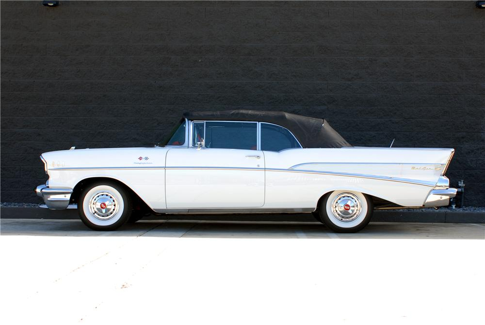 1957 CHEVROLET BEL AIR FI CONVERTIBLE - Side Profile - 162054