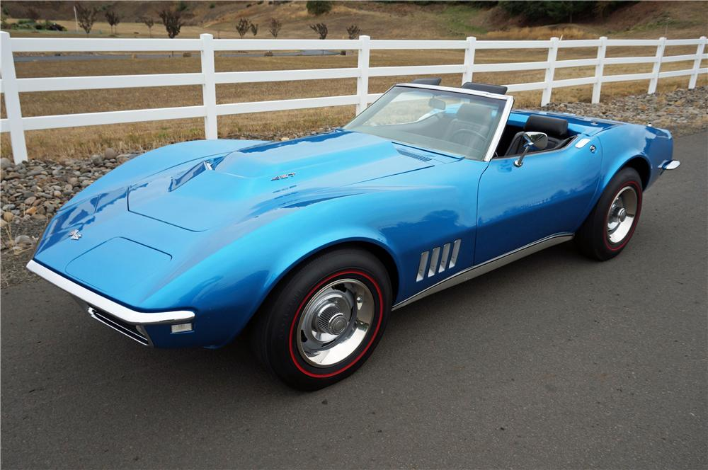1968 CHEVROLET CORVETTE CONVERTIBLE - Front 3/4 - 162055