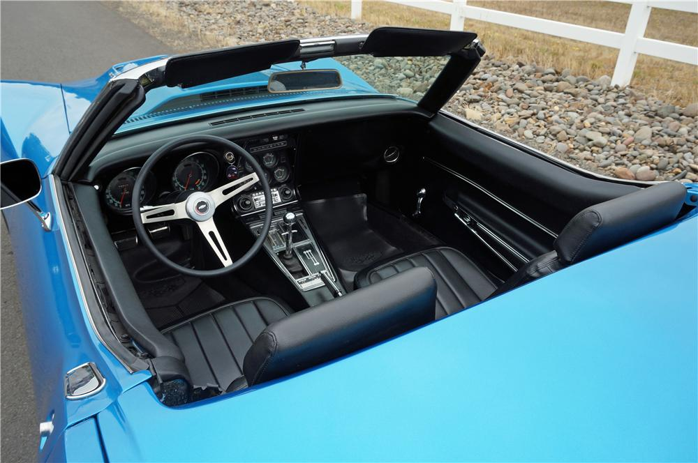 1968 CHEVROLET CORVETTE CONVERTIBLE - Interior - 162055