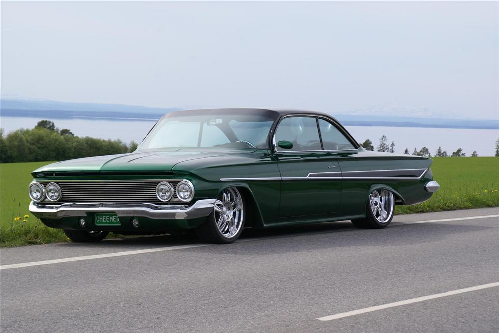 1961 CHEVROLET IMPALA CUSTOM 2 DOOR HARDTOP - 162072