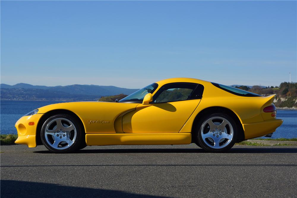 2002 DODGE VIPER GTS 2 DOOR COUPE - Side Profile - 162079