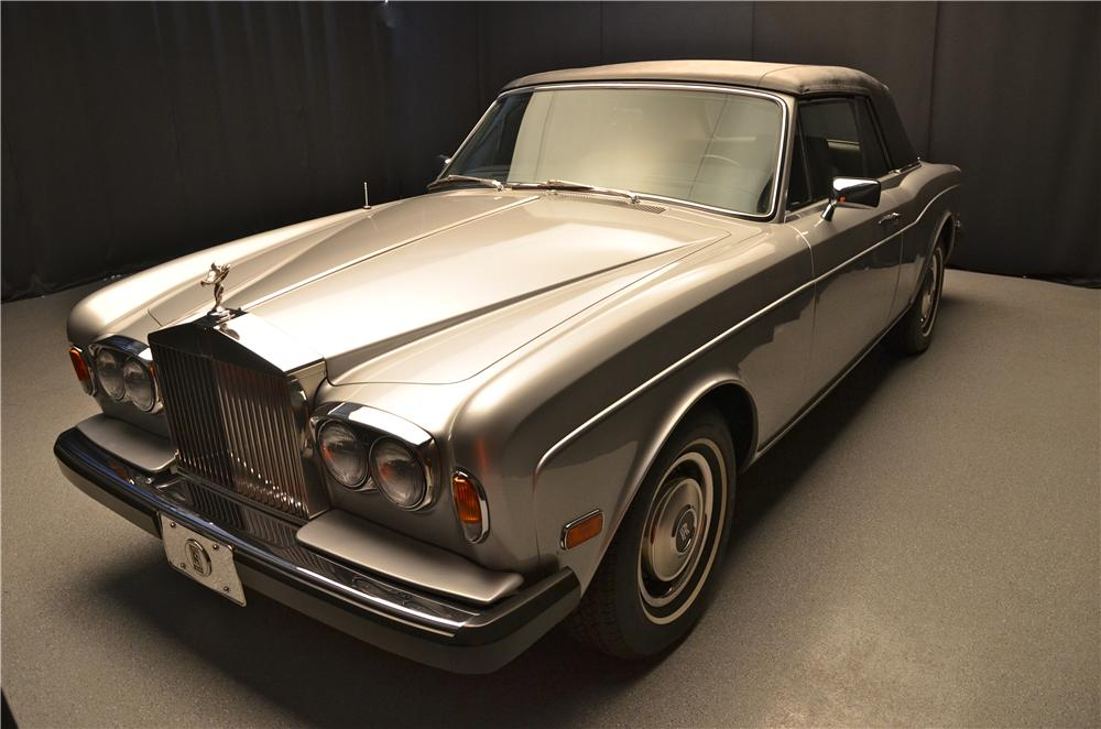 1980 ROLLS-ROYCE CORNICHE CONVERTIBLE - Front 3/4 - 162096