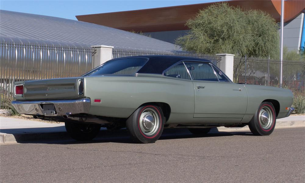 1969 PLYMOUTH HEMI ROAD RUNNER 2 DOOR HARDTOP - Rear 3/4 - 16212