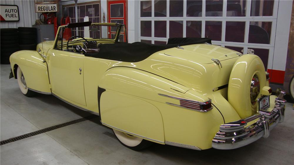 1946 LINCOLN CONTINENTAL CONVERTIBLE - Rear 3/4 - 162138
