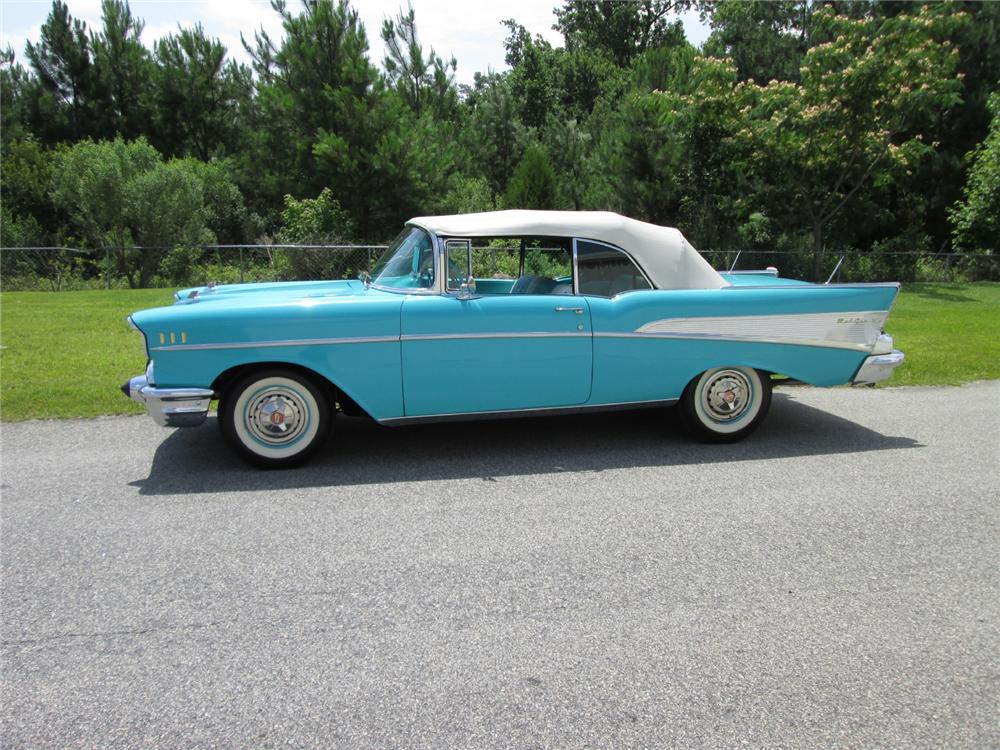 1957 CHEVROLET BEL AIR CONVERTIBLE - Side Profile - 162142