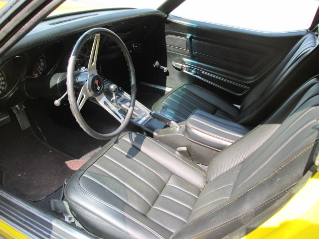 1971 CHEVROLET CORVETTE 2 DOOR COUPE - Interior - 162147