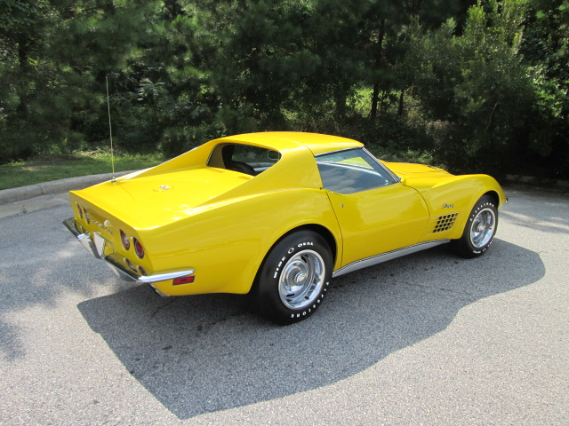 1971 CHEVROLET CORVETTE 2 DOOR COUPE - Rear 3/4 - 162147