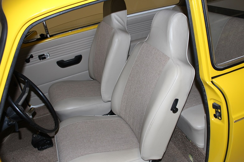 1971 VOLKSWAGEN SQUAREBACK CUSTOM STATION WAGON - Interior - 162169