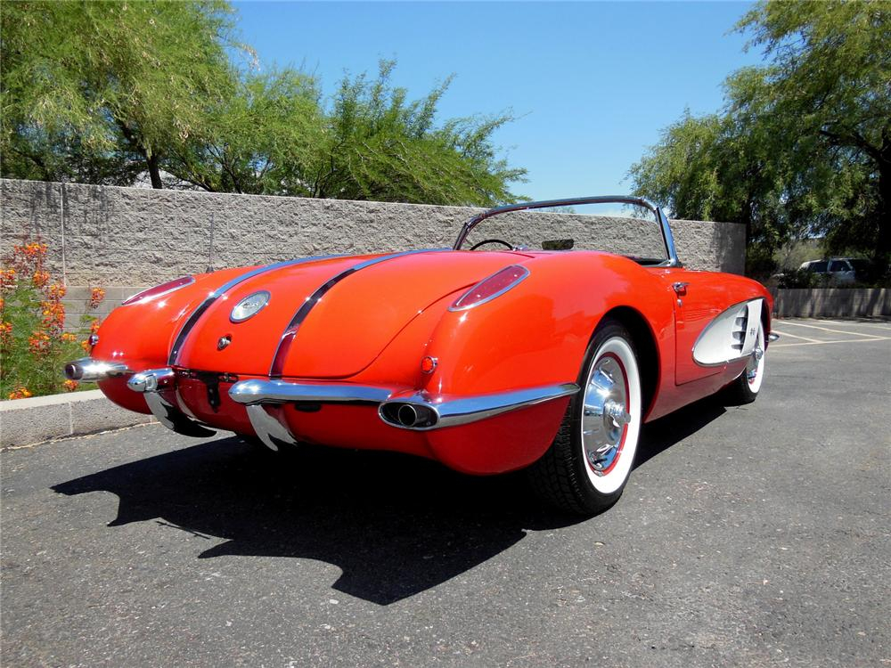 1958 CHEVROLET CORVETTE CONVERTIBLE - Rear 3/4 - 162196