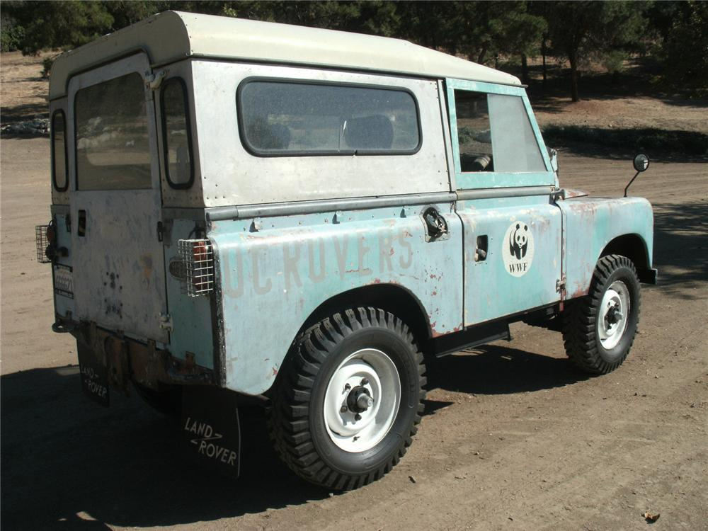1967 LAND ROVER SERIES IIA SUV - Rear 3/4 - 162232