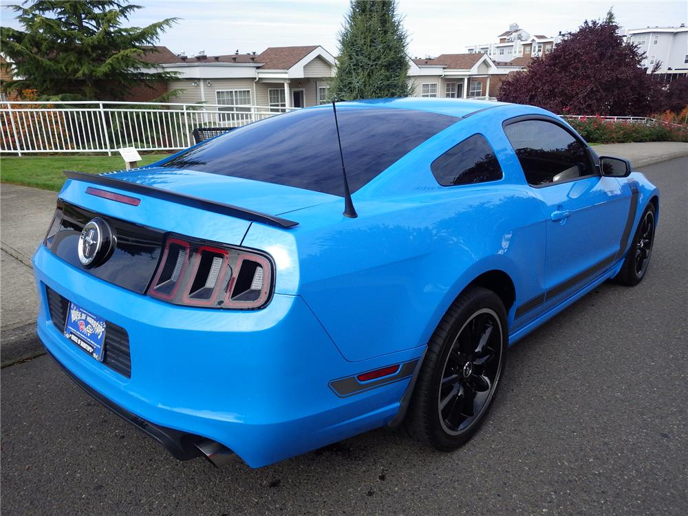 2013 FORD MUSTANG BOSS 302 2 DOOR COUPE - Rear 3/4 - 162237