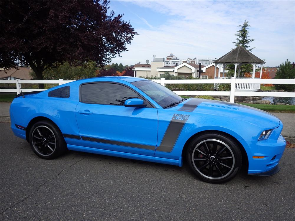 2013 FORD MUSTANG BOSS 302 2 DOOR COUPE - Side Profile - 162237