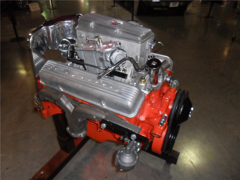 1964 CHEVROLET ENGINE DISPLAY - Front 3/4 - 162249