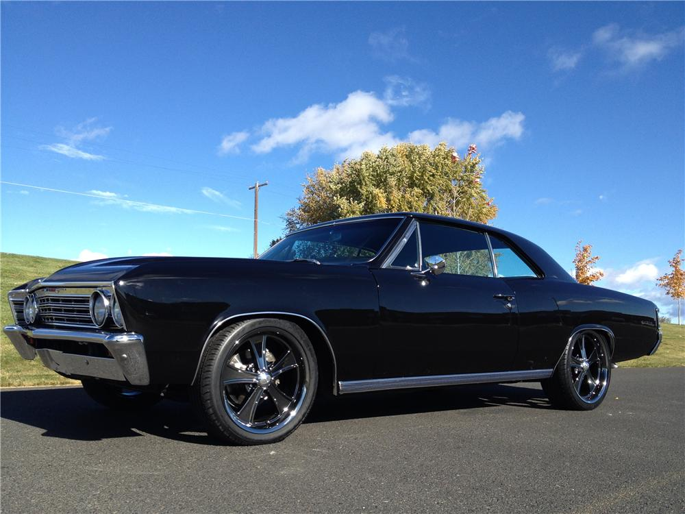 1967 CHEVROLET CHEVELLE CUSTOM 2 DOOR COUPE - Front 3/4 - 162275