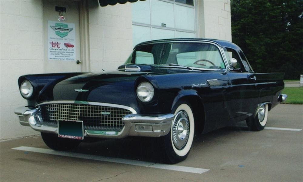 1957 FORD THUNDERBIRD CONVERTIBLE - Front 3/4 - 16228