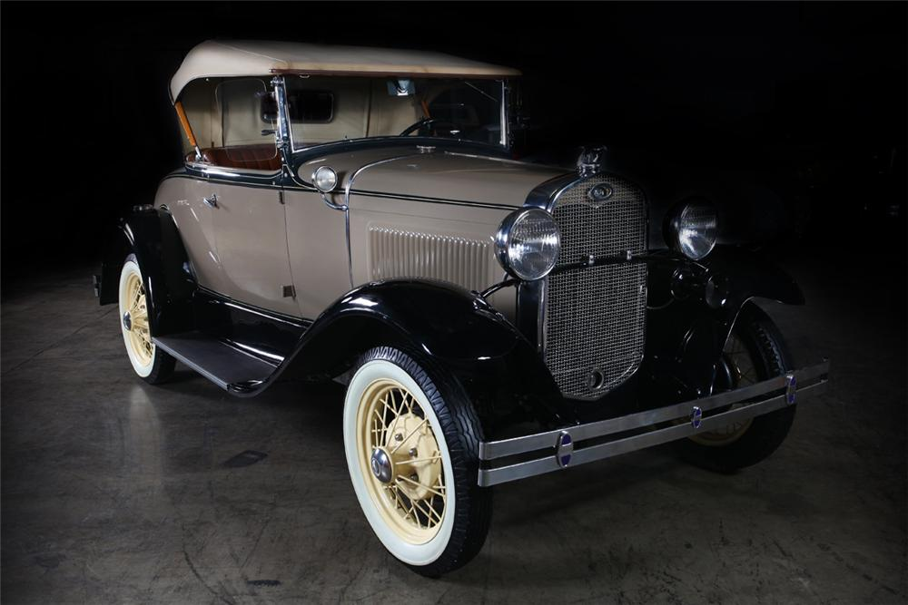 1931 FORD MODEL A ROADSTER - Front 3/4 - 162295