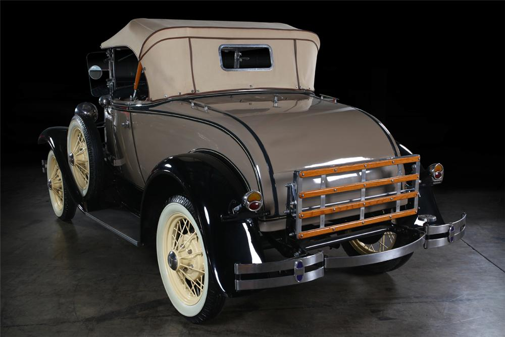 1931 FORD MODEL A ROADSTER - Rear 3/4 - 162295