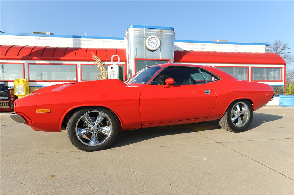 1973 DODGE CHALLENGER CUSTOM 2 DOOR HARDTOP - Side Profile - 162297