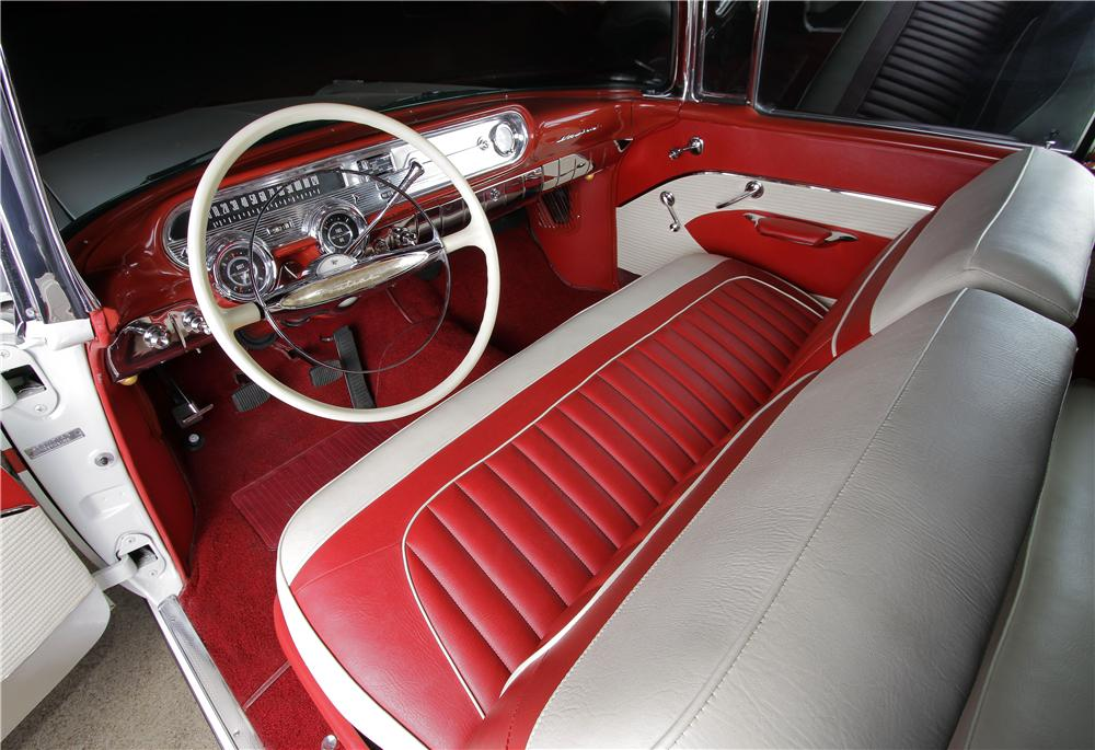 1957 PONTIAC STAR CHIEF CONVERTIBLE - Interior - 162304