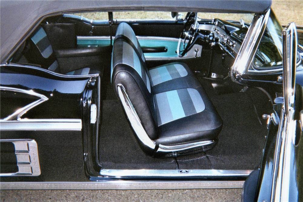 1958 CHEVROLET IMPALA CONVERTIBLE - Interior - 162306