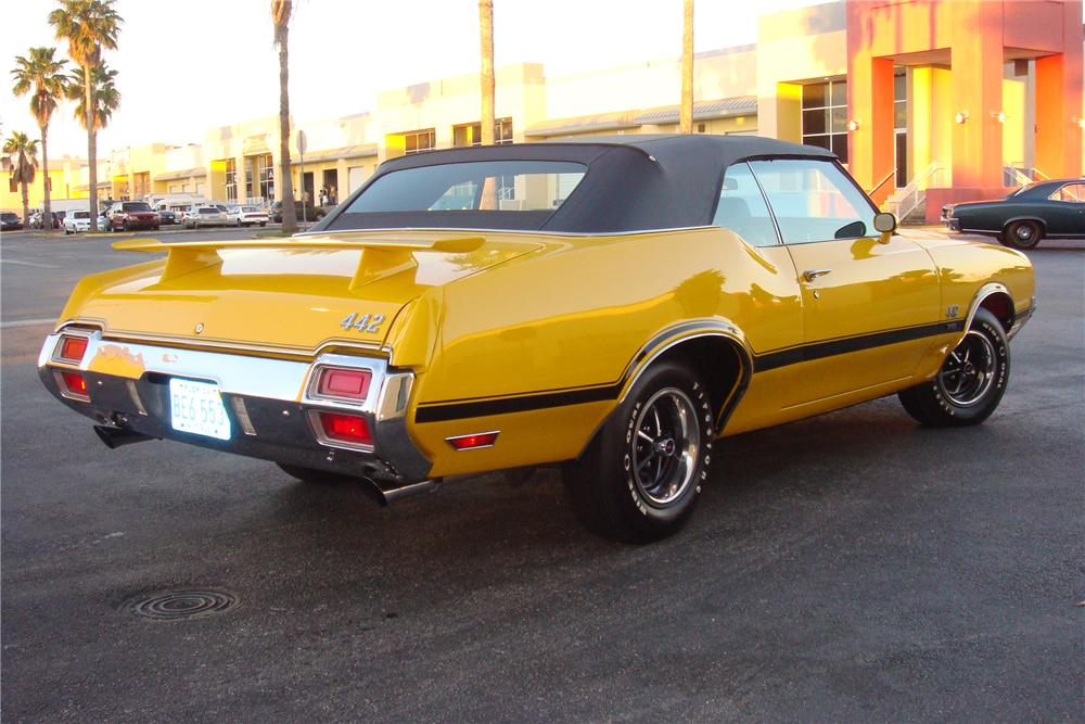 1971 OLDSMOBILE 442 W30 CONVERTIBLE - Rear 3/4 - 162308