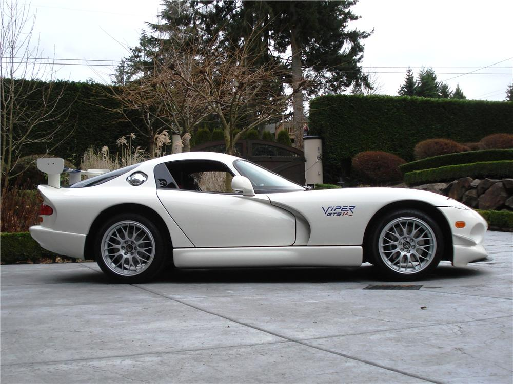 1998 DODGE VIPER GTS-R 2 DOOR COUPE - Side Profile - 162310
