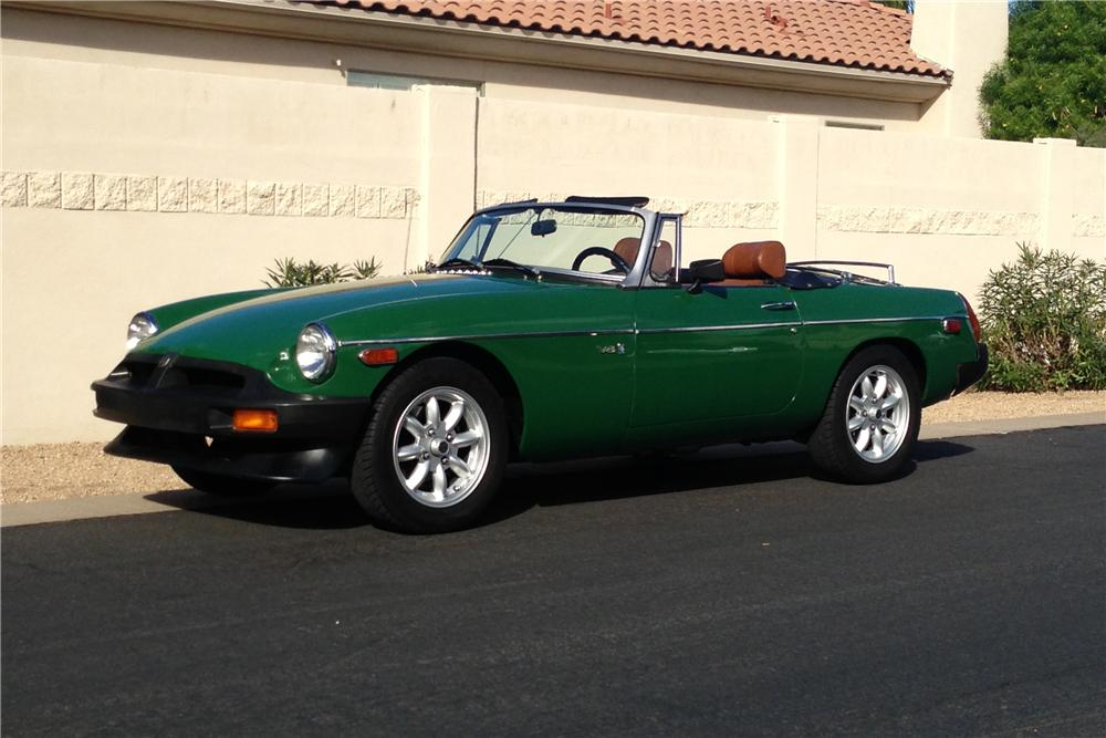 1974 MG B CUSTOM CONVERTIBLE - Front 3/4 - 162331
