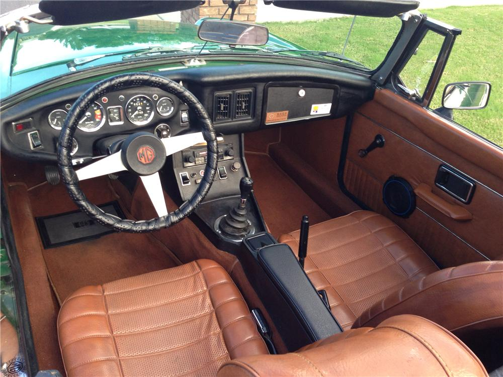 1974 MG B CUSTOM CONVERTIBLE - Interior - 162331