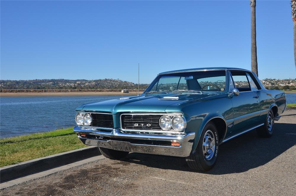 1964 PONTIAC GTO 2 DOOR COUPE - Front 3/4 - 162336