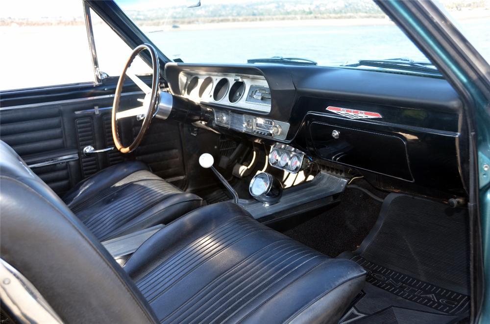 1964 PONTIAC GTO 2 DOOR COUPE - Interior - 162336