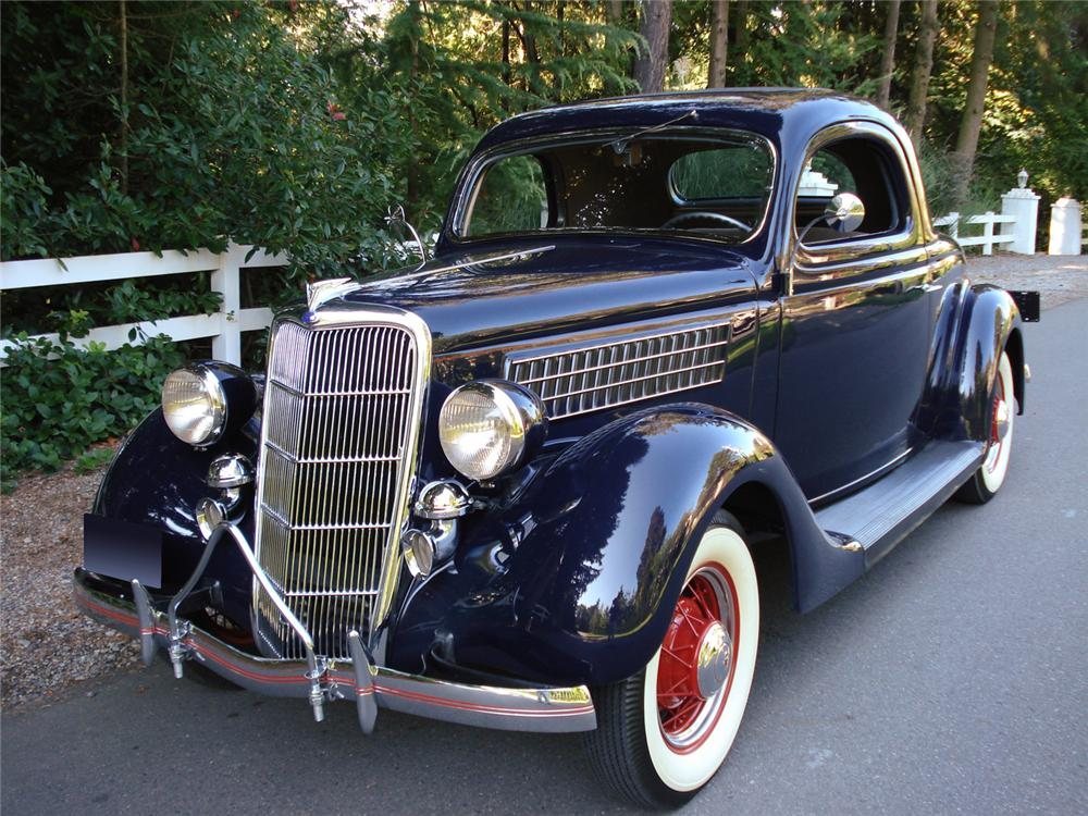1935 FORD 3 WINDOW COUPE - Front 3/4 - 162339