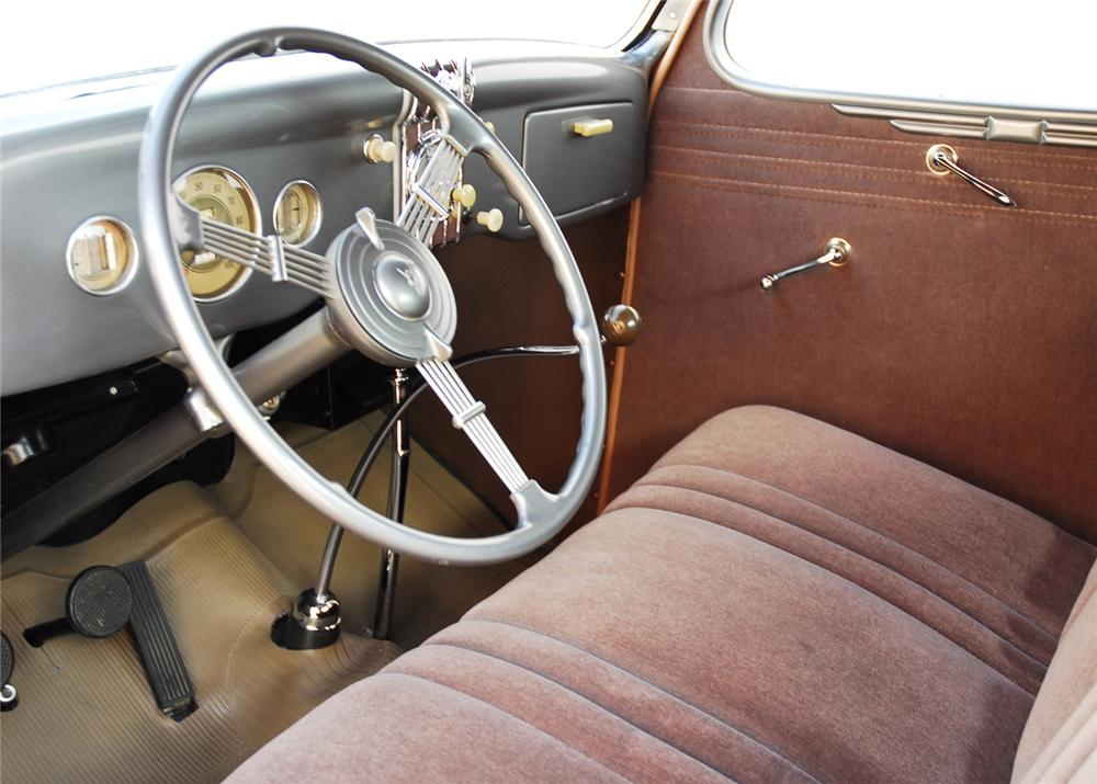 1935 FORD 3 WINDOW COUPE - Interior - 162339