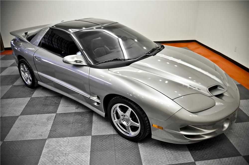 2002 PONTIAC TRANS AM WS6 2 DOOR COUPE - Front 3/4 - 162341