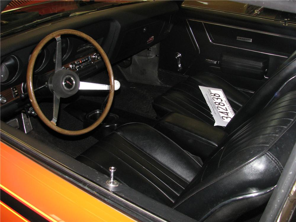 1969 PONTIAC GTO JUDGE 2 DOOR COUPE - Interior - 162344