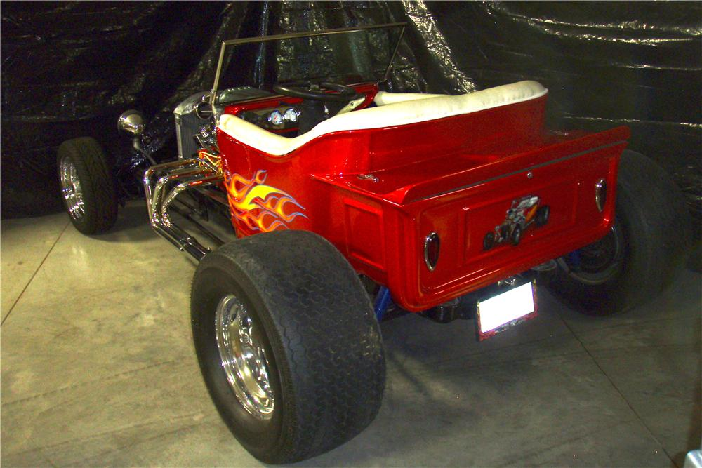 1923 FORD T-BUCKET CUSTOM - Rear 3/4 - 162355