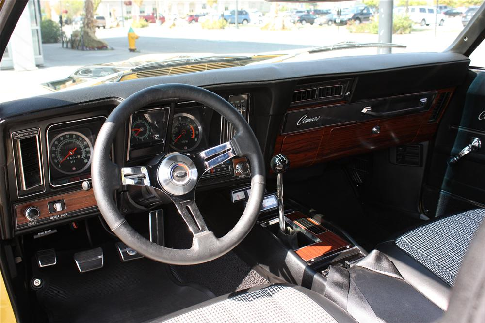 1969 CHEVROLET CAMARO Z/28 CUSTOM COUPE - Interior - 162359