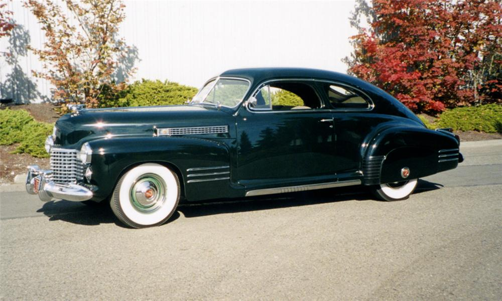 1941 CADILLAC SERIES 61 DELUXE 2 DOOR SEDANETTE - Side Profile - 16236