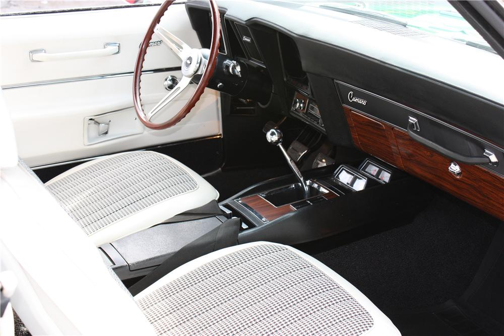 1969 CHEVROLET CAMARO RS/SS CONVERTIBLE - Interior - 162360