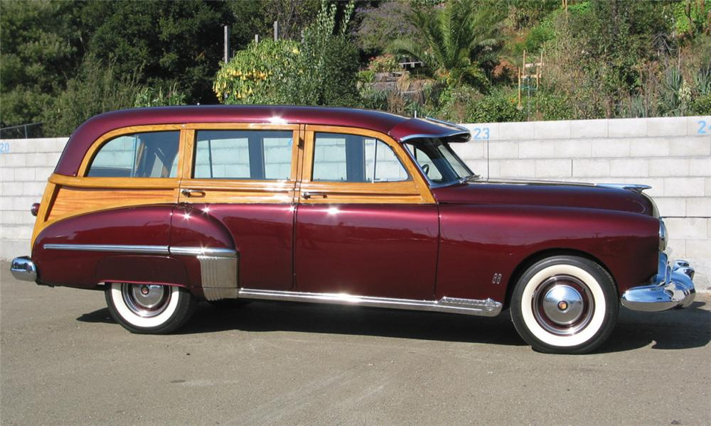 1949 OLDSMOBILE WOODY WAGON - Front 3/4 - 16238