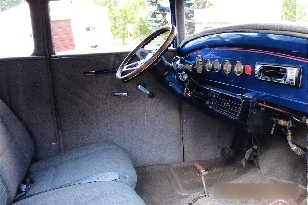1930 FORD CUSTOM 2 DOOR SEDAN - Interior - 162400